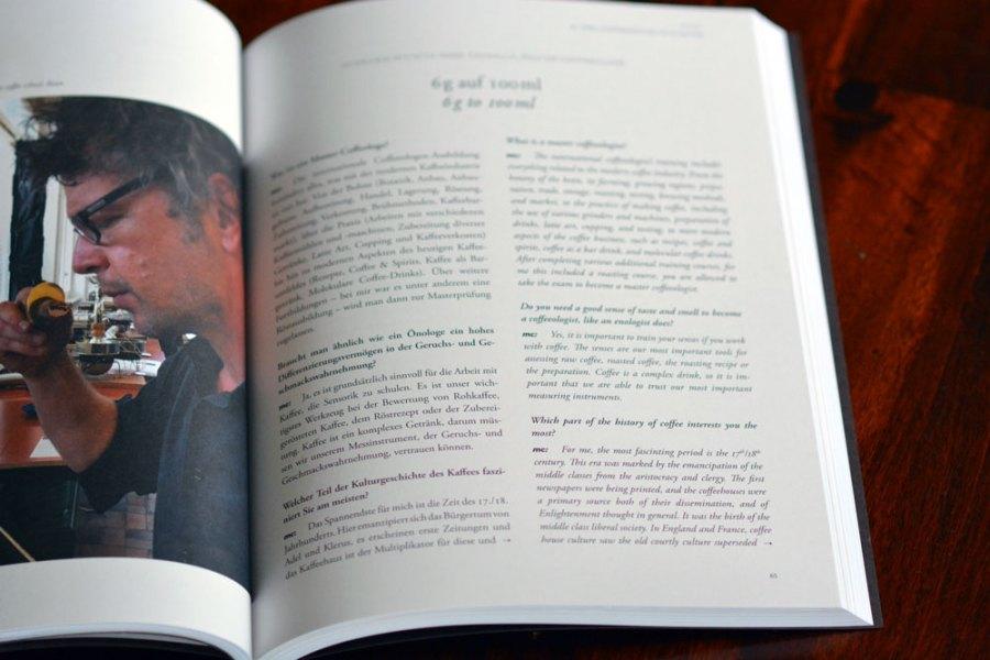 Katalog mit aufgeschlagener Seite
