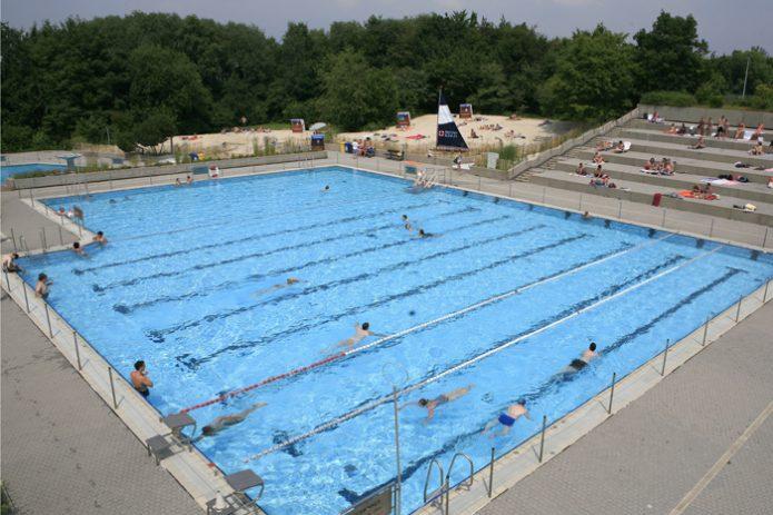 Schwimmen lernen in Bonn in den Sommerferien von NRW