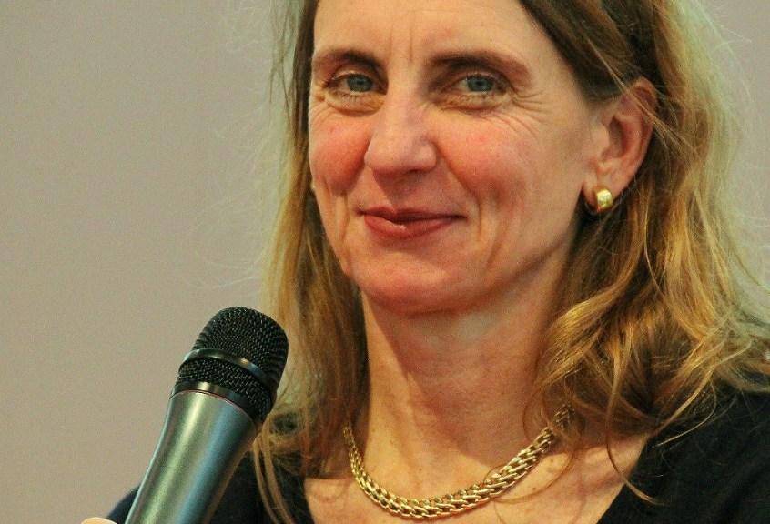 Moderation Dr. Christine Lötters