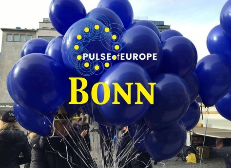 Pulse of Europe Kundgebung am 07. September auf dem Bonner Remigiusplatz