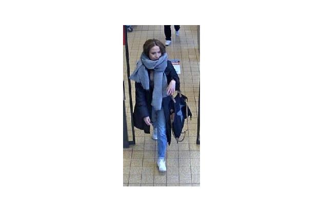 Wer kennt diese Frau? - Hinweise an das KK36 unter 0228 15-0.
