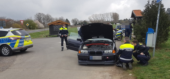 """Kontrollaktion: Illegales Tuning und Raser am """"Car-Freitag"""" im Fokus der Polizei"""