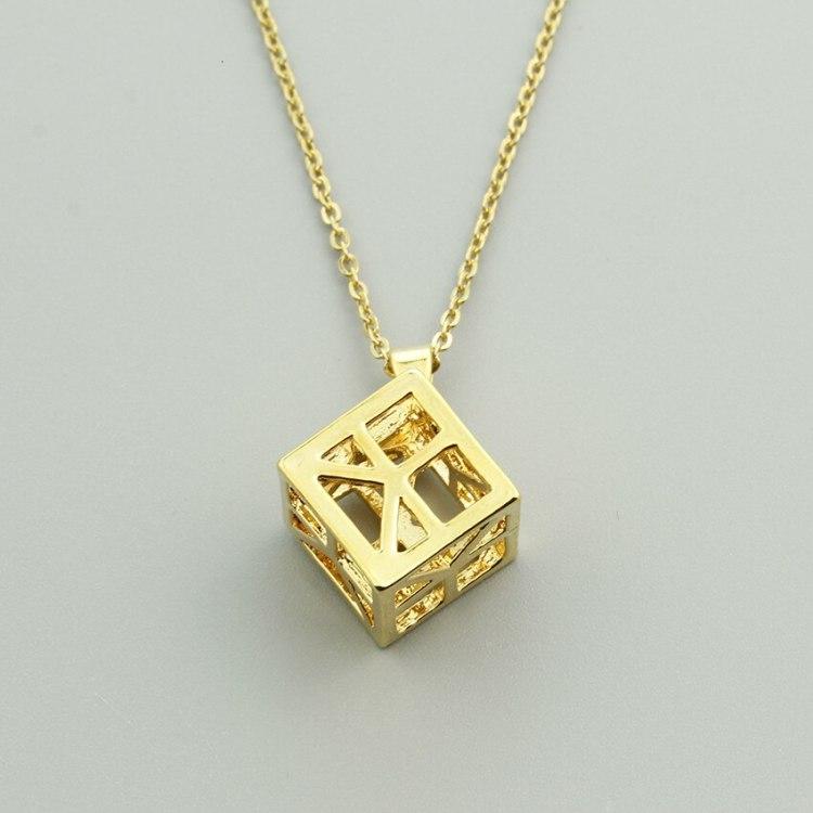 Geometric cube three dimensional square choker necklace