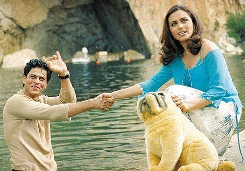 Shahrukh khan and rani Mukherjee from chalte challte movie. Love marriage in India is shown in movies