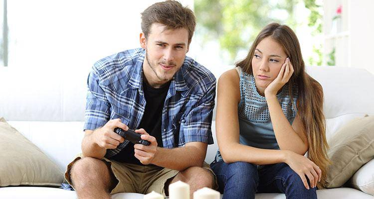 6 Reasons a Guy Ignores You after a Fight and 5 Things You Can Do