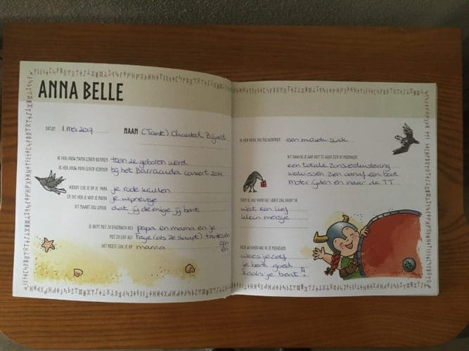 kraamboek ingebonden geboortekaartje