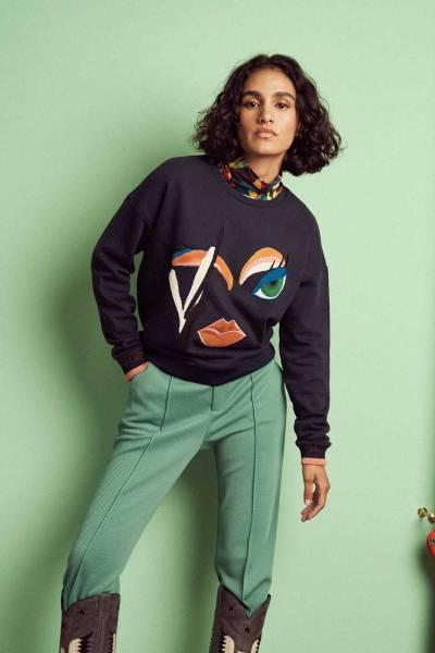 Winks moody blue sweater Pom Amsterdam