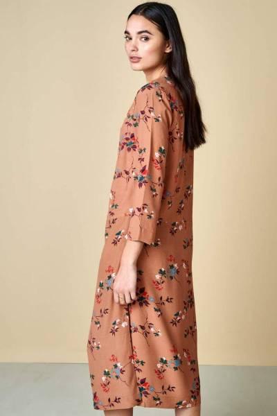 Heish dresses displayB Bellerose