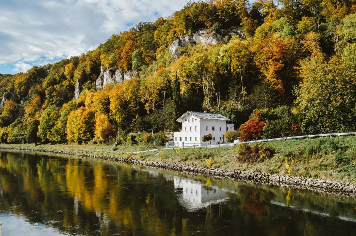 Best fall destinations to visit in europe bon traveler for Best fall destinations in the us