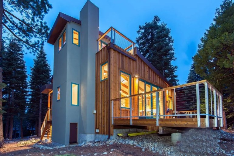 10 Airbnbs To Rent in Lake Tahoe This Winter