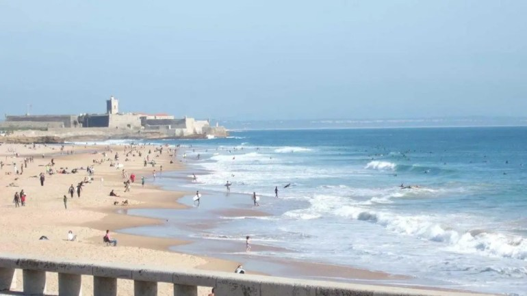 A Quick Summer Guide to Lisbon Beaches