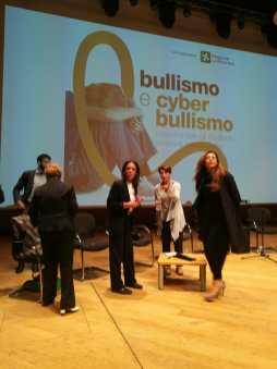 Foto 8 ottobre 2018 teatro dal verme cyber bullismo