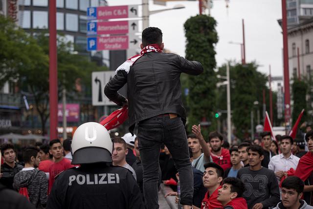 Demonstration von Linkswende und UETD, Wien, 16.07.2016. Bild: Nathan Spasić