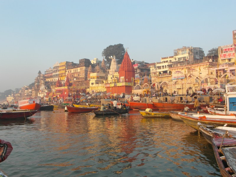 Varanasi India : The Colorful Ghats of Varanasi