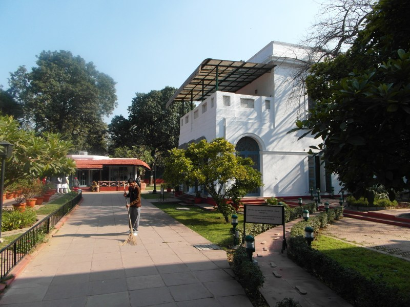 The Gandhi paradox – A day in New Delhi!