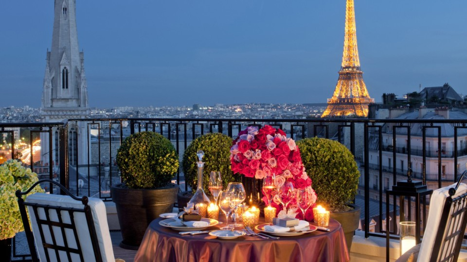 Travel Destinations of a lifetime: Paris France (Photo FourSeasons)