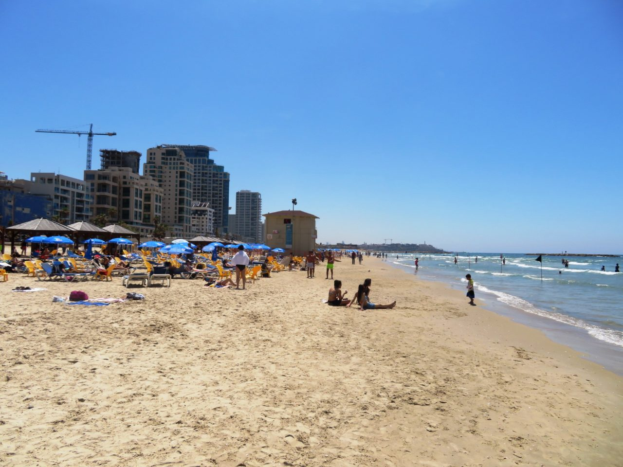 Vacationing in Israel ... The Tel Aviv Beach