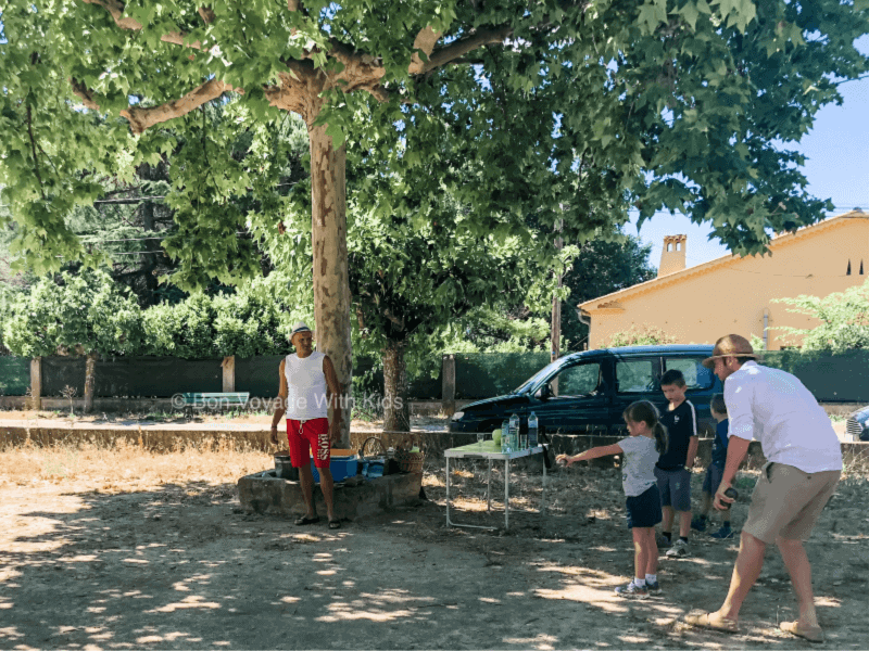 provence-with-kids-petanques-lesson