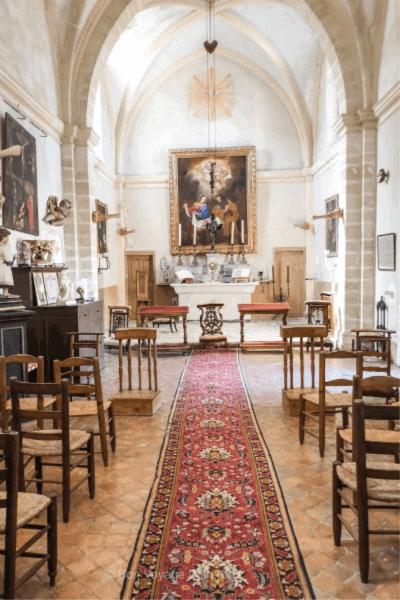 chateau-de-la-barben-chapel