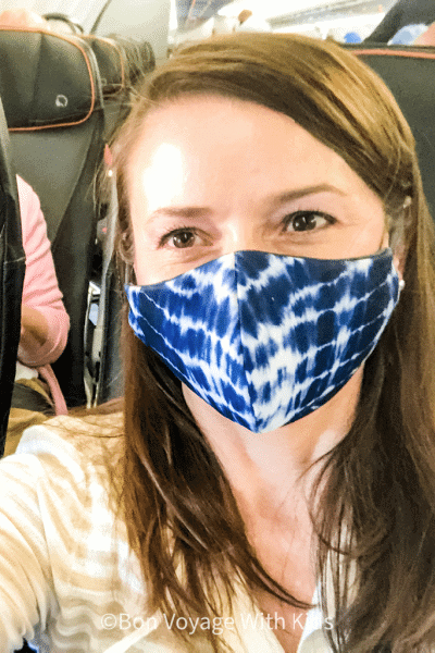 travel-in-2020-mask-wearing-on-plane