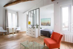 espace de son studio parisien