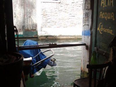 """LE """"MIE"""" LIBRERIE: la Libreria Acqua Alta a Venezia"""