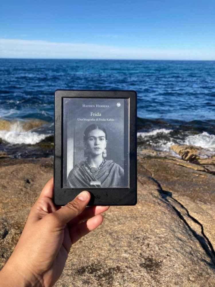 Frida. Una biografia di Frida Kahlo recensione libri di hayden herrera