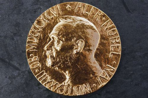 A photo taken on October 8, 2004 in Oslo shows the Nobel Peace Prize medal. Belarusian author Svetlana Alexievich, who won the Nobel prize for literature on Thursday, has drawn international acclaim with her emotional accounts of the Chernobyl disaster and World War II based on witness accounts. PHOTO   AFP