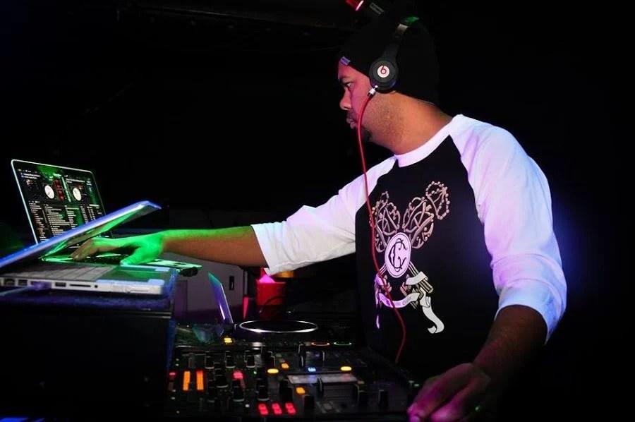 DJ Vibe Brantford Top 40   Professional DJ & Lighting Services