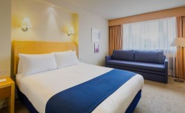 Gatwick-Holiday-Inn