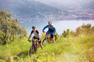 in bici sul lago maggiore