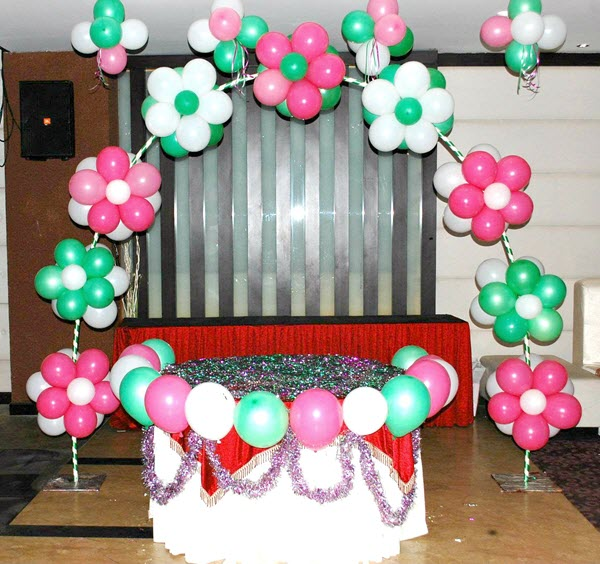 Simple and Cheap Party Decorative Ideas with Balloons