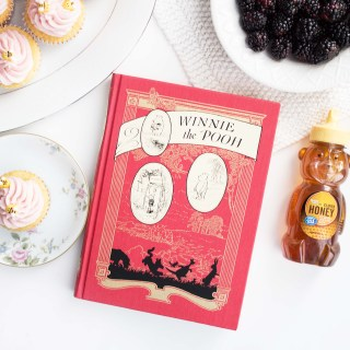 """Winnie the Pooh"" and Blackberry Honey Cupcakes"