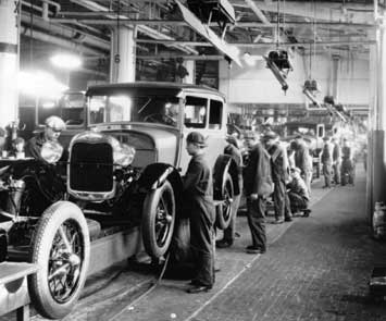 According To Some Sources, The Worldu0027s First Moving Assembly Line Began  Operation At The Henry Ford Company In 1913. The Actual Date Of Initial  Operation Is ...