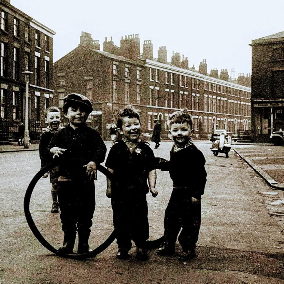 Liverpool kids England 1964