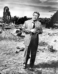 Burgess Meredith, Twilight Zone, 1960, wikimedia commons