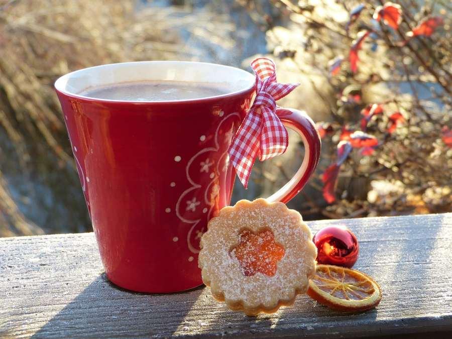 Relaks z kubkiem herbaty