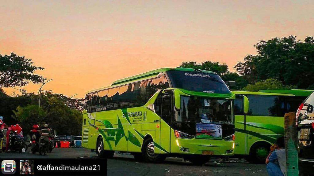 sewa bus pariwisata rejeki transport jogja rental bis wisata di yogyakarta solo magelang klaten bookwisata indonesia shd bus terbaik crew profesional bersih dan nyaman