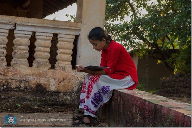 Aldona_Reading_in_the_Park_Bookworm-Goa-Nijugrapher-images-by-Niju_Mohan-18-untitled-DSC_7741