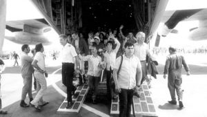 Entebbe-hostages-return-to-Israel-SLIDER-1-e1465386036808