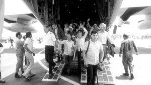 Entebbe-hostages-return-to-Israel-SLIDER-1-e1465386036808