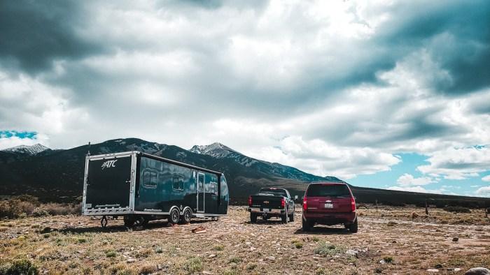 toy hauler versus travel trailer for boondocking