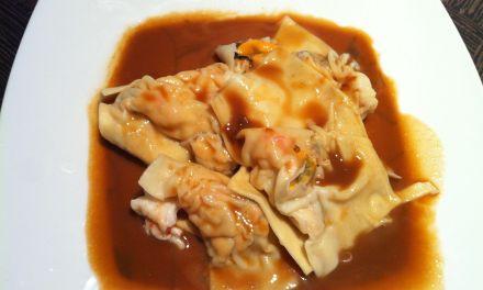 Raviolis de gambes i musclus amb salsa de marisc