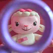 Doc McStuffins Spotty Lambie Playset - Lambie