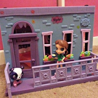Littlest Pet Shop - Blyth Bedroom
