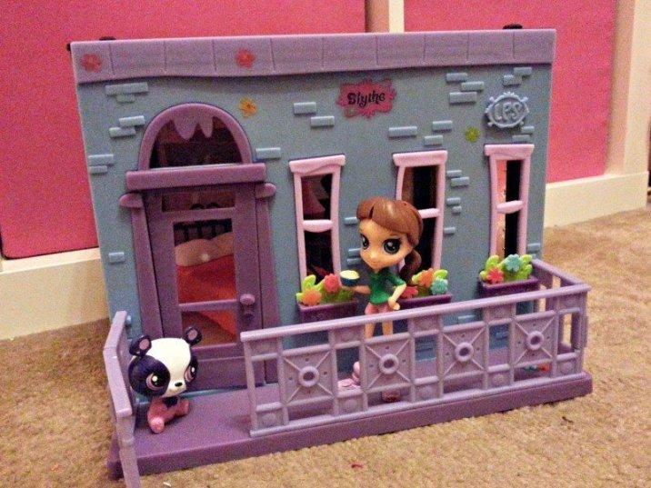 Littlest Pet Shop - Blyth Bedroom