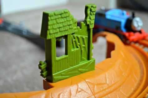 Trackmaster Breakaway Bridge Playset - Broken shack