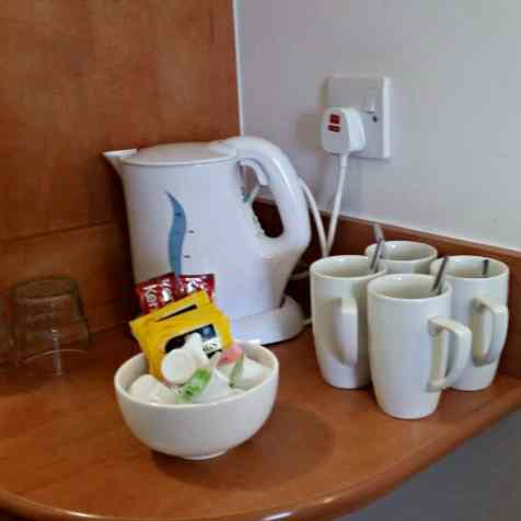 Premier Inn Uttoxeter - Tea and coffee facilities