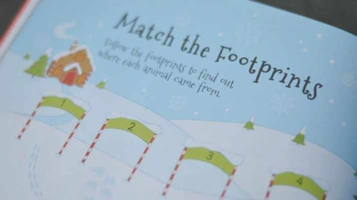 4000 Christmas Stickers - Match the footprints
