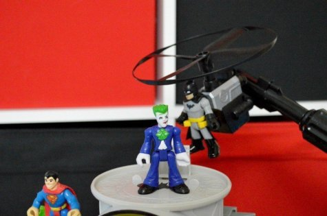 fisher-price-imaginext-super-flight-gotham-city-batman-and-joker